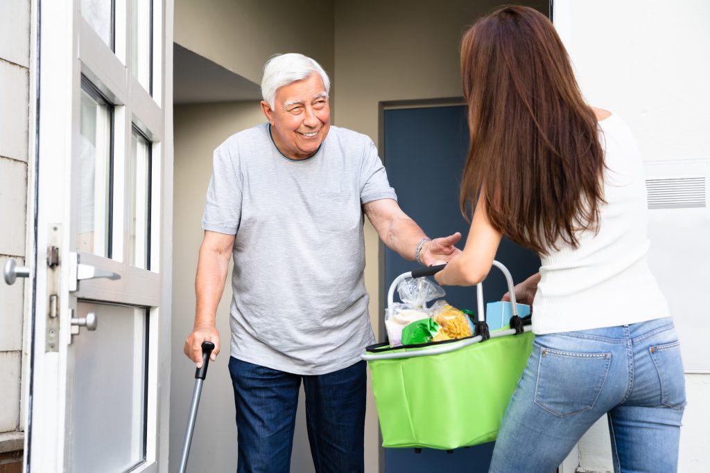 4 reasons your parent should visit a senior center